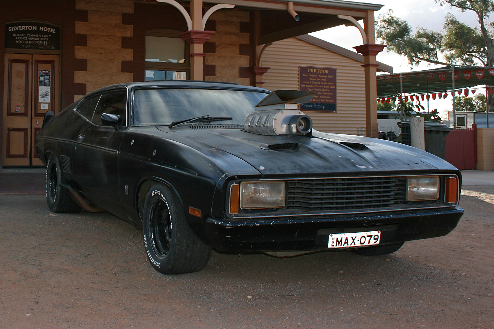 Mad Max 1974 Customised Ford Falcon Pursuit Special