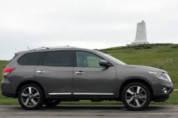 2013-nissan-pathfinder-wagon-grey-sellmy