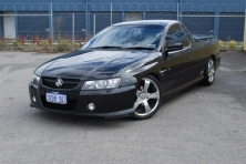 sell my car holden commodore SS black
