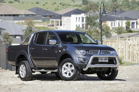 sell my car mitsubishi triton grey