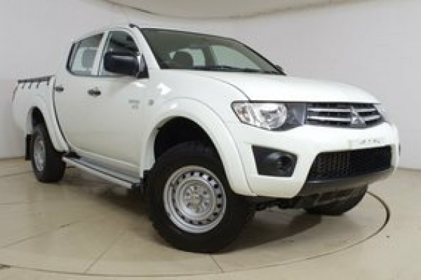 sell my car mitsubishi triton white