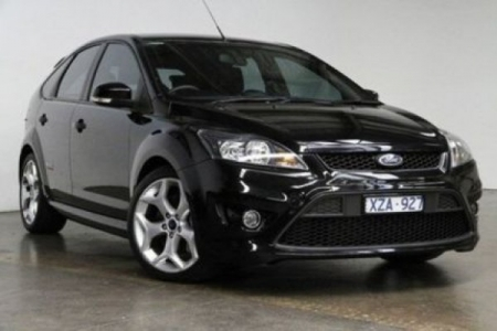 sell my car- ford focus black