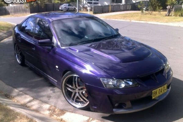 sell my car -holden commodore r8 purple