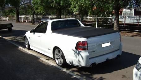 sell my car – holden ute white