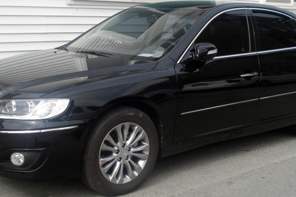 sell my car - hyundai grandeur black