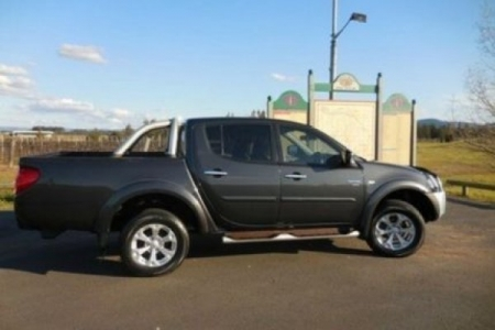 sell my car mitsubishi triton grey .