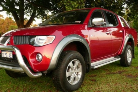sell my car – mitsubishi triton red