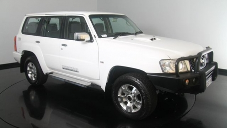 sell my car – nissan patrol white
