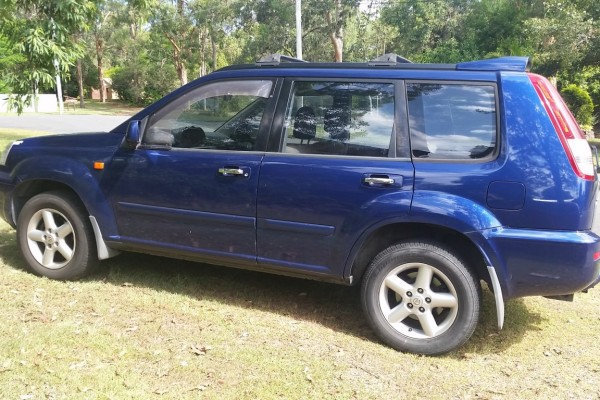 sell my car - nissan xtrail blue