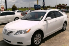 sell my car – toyota camry white