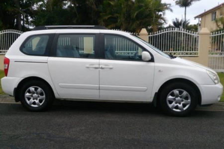 Sell My 2008 Kia Carnival White