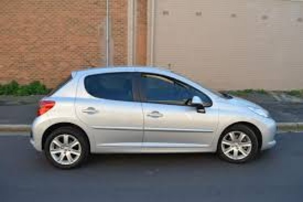 2007-peugot-207-hatch-silver-sellmy