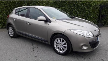 2011RenaultMeganeHatch-sellmy